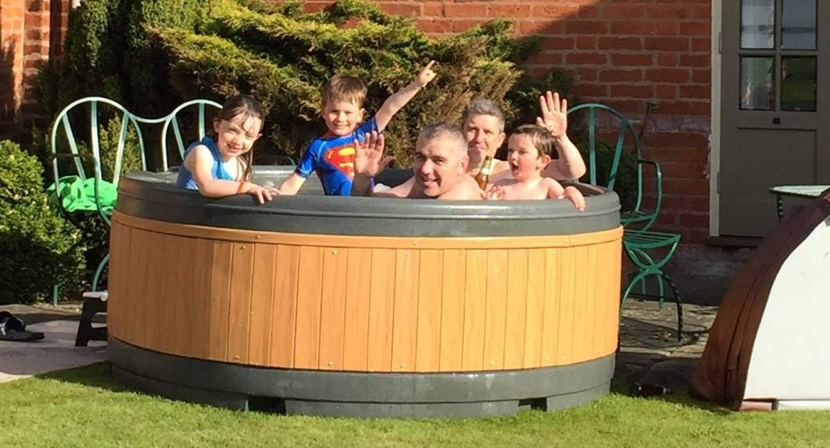 Hot Tub Hire Bedworth family-party